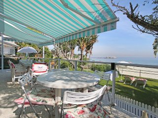 Beachfront 4 bedroom bungalow on Clifton 4th beach. Stunning views - Clifton vacation rentals