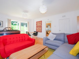 Modern Apartment in east Oxford with park views - Oxford vacation rentals