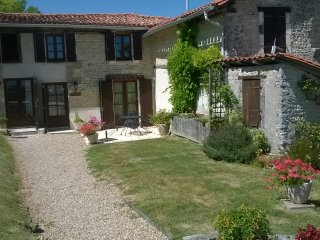 Charming Cottage with Internet Access and Shared Outdoor Pool - Nabinaud vacation rentals