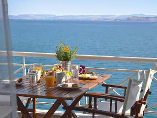 Waterfront Vacation Apartment, Amazing Sea View, Kiveri village, near Nafplion. - Nauplion vacation rentals