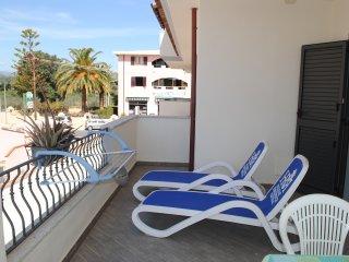 LIMONE: 2-room apartment on first floor - Orosei vacation rentals