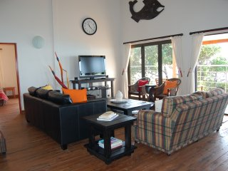 8 bedroom Lodge with Housekeeping Included in Ponta Malongane - Ponta Malongane vacation rentals
