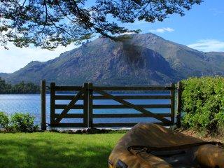 Casa con costa en Lago Gutierrez para 5 personas - San Carlos de Bariloche vacation rentals