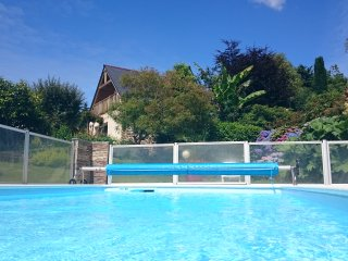 Nice House with Television and Balcony - Pont-Croix vacation rentals