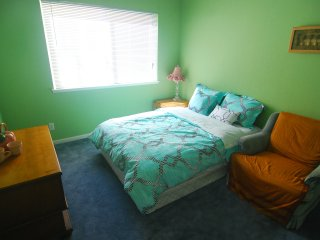 [3C] Cozy Private Bedroom near Daly City BART Subway Station - Daly City vacation rentals
