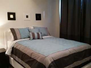 Deluxe 2 Bedroom Suite at Infinity Tower, Toronto - Toronto vacation rentals