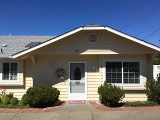 Cozy 2 bedroom House in Grants Pass - Grants Pass vacation rentals