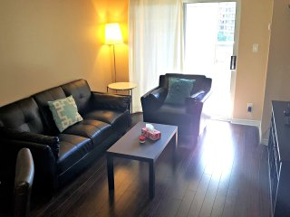 *1BR Furnished Suite, Square One, Mississauga - Mississauga vacation rentals