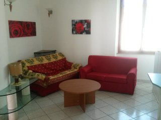 Bright 2 bedroom Asciano Apartment with Television - Asciano vacation rentals