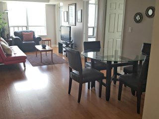 3BR Furnished Suite - Square One, Mississauga - Mississauga vacation rentals