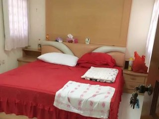 Cosy guest room - big room - Jurong vacation rentals