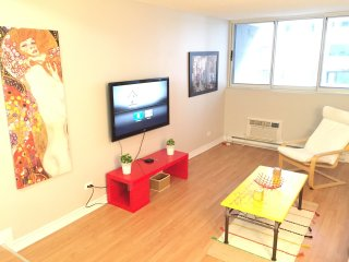 Downtown Paradise 2 + Free Parking - Montreal vacation rentals