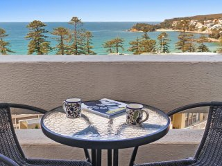 Beachside Paradise - Ocean Views, Central position - Manly vacation rentals