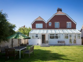 Red Door: family home only 20metres from the beach - West Wittering vacation rentals