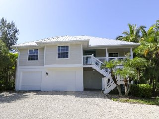 Starfish Lane: 4BR Luxury Home Across the Street from Sandy Sanibel Beaches!! - Sanibel Island vacation rentals