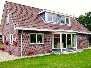 Villa Woldrust, a warm and spacious holiday home - Zeewolde vacation rentals