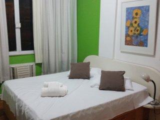 apto triplo na praia de copacabana - Rio de Janeiro vacation rentals