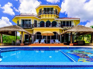 VILLA YAK ALIL- 5 BR with 10 Beds - for 16 guests (1,000 OFF FROM APR 15-30) - Cozumel vacation rentals