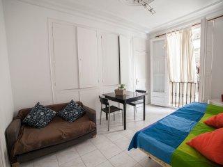 PISO, IDEAL PARA ESTUDIANTES Y PAREJAS 2.4 - Barcelona vacation rentals
