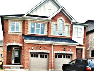 Sophisticated 3 Bedroom Furnished Home - Brampton vacation rentals
