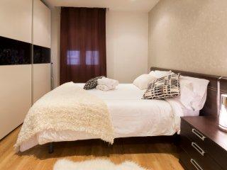 APARTMENT TURISTIC GRAN VIA SIX - Madrid vacation rentals