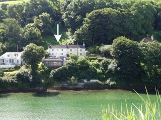 Lovely 2 bedroom Noss Mayo House with Internet Access - Noss Mayo vacation rentals