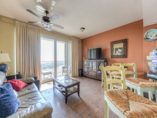 Cozy Condo with Internet Access and Shared Outdoor Pool - Miramar Beach vacation rentals