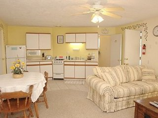 Dennis & Penny`s Guest House - Tucson vacation rentals