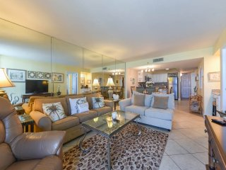 Nice Condo with Internet Access and Waterfront - Seagrove Beach vacation rentals