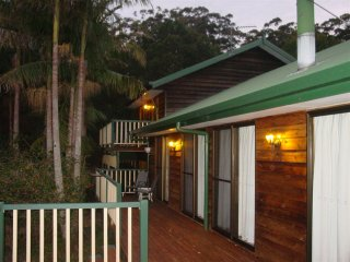 Currawong Chorals Rainforest Retreat - Springbrook vacation rentals