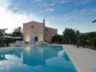 8 bedroom Villa in Buseto Palizzolo, Sicily, Italy : ref 2269167 - Buseto Palizzolo vacation rentals