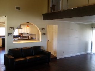 (C) Your own private bedroom. Shared bathroom. - Richardson vacation rentals