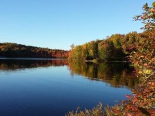 Lakefront Tranquility just 90 from NYC - Milford vacation rentals