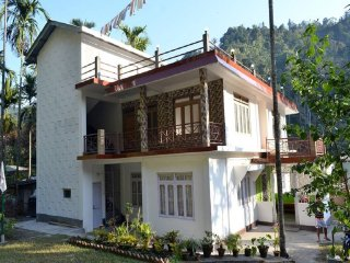 Nice House with Satellite Or Cable TV and Parking - Jhalong vacation rentals