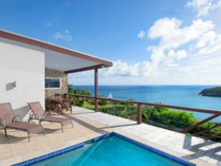 A modern 3-bedroom, 2-bathroom beauty overlooking beach/vast views of the ocean - Cole Bay vacation rentals