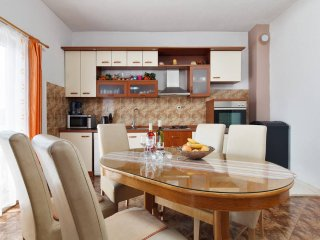Family friendly apartment well located - Marina vacation rentals