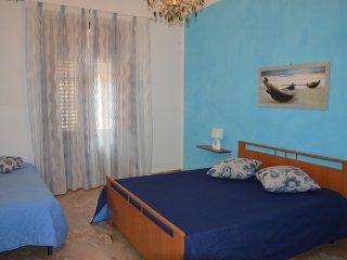 Romantic 1 bedroom Castellammare del Golfo Apartment with Television - Castellammare del Golfo vacation rentals