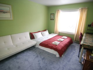 [3D] Cozy King Bedroom with Futon, Fits Up to 3 near Daly City Subway Station - Daly City vacation rentals