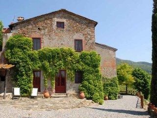 Comfortable 6 bedroom Vacation Rental in San Pietro a Marcigliano - San Pietro a Marcigliano vacation rentals