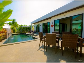 VILLA LUXE PISCINE PRIVÉE 3CH 7/8P PRES DES PLAGES - Nai Harn vacation rentals