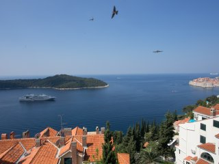 Apartment Luce - Three-Bedroom Apt. with Sea View - Dubrovnik vacation rentals