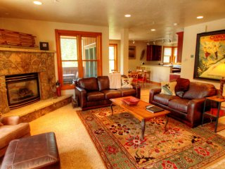Gorgeous 4 bedroom Keystone Condo with Internet Access - Keystone vacation rentals