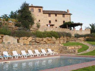 Perfect 7 bedroom Pievasciata Villa with Internet Access - Pievasciata vacation rentals