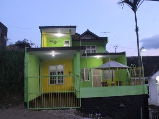 3 bedroom Villa with Internet Access in Batu - Batu vacation rentals