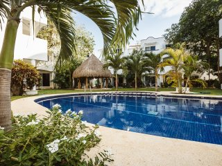 Playacar condo near beach on golf course - Quintas - Playa del Carmen vacation rentals