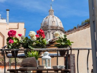 Boutique Domus Navona Library Balcony  Wifi - Rome vacation rentals