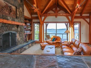 Beautiful lakefront lodge w/ views, private beach access, & large deck! - Sagle vacation rentals