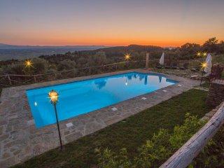 Agriturismo Henni pool sauna jacuzzi panoramicview - Cortona vacation rentals