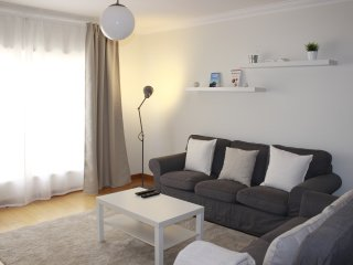 Estoril: Excellent apart near golf, beach, train - Estoril vacation rentals