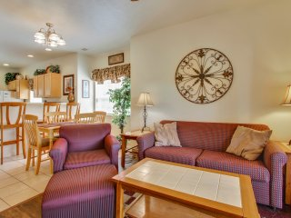 Cozy recently remodeled 2 bed/2 bath Pet Friendly Condo bordering a nature area - Branson vacation rentals